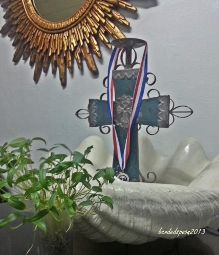 Bernard.Medal.Mongo